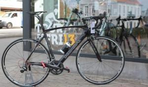 Mangler du en racercykel, så har Fri BikeShop en hel del til salg.