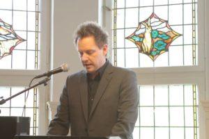 Thomas Lunau, kunstskolechef, har haft travlt med at trimme skolen.