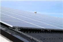 Nord-Als Idrætscenter tjener godt på solcellerne.
