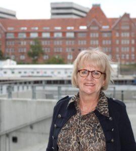 Thorkild Kristiansen spørger, om Aase Nyegaard er på vej over til de konservative.