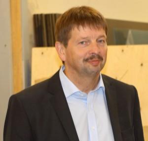 Tage Petersen satser på hele to taburetter ved valget.