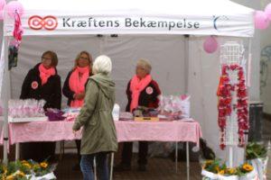 Frivillige sikrer penge til gavn for brystkræftramte kvinder