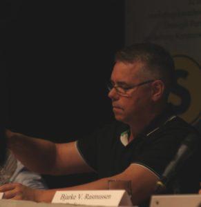 Johnny Søndergaard er fortaler som motion som alternativ til piller.