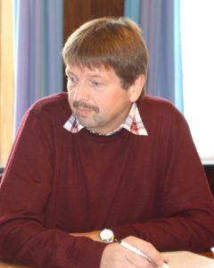 Tage Petersen er spændt på, hvilken by den radikale undervisningsminister hælder til <div class=