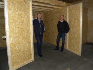 Hans Tjørnlund og Paul Knudsen tilbyder at passe på alle dine ting.