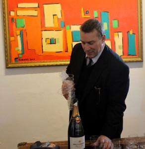 Thomas Eje ved åbningen af Galleri Scrivens & Eje i Perlegade.