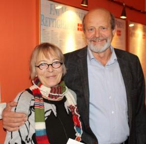 Ruth malle sammen med Jørgen Jørgensen, der annoncerede en tryg bankoverførsel.