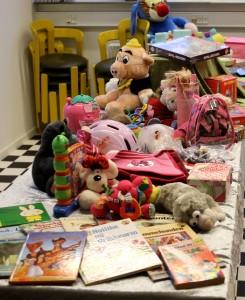 Her kan der vælges et styk legetøj til hvert barn.