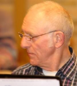 Svend Aage Sørensen har været frivillig musiker i Broager i 28 år.