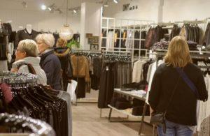 Halv pris på kvalitetstøj trækker kunder.