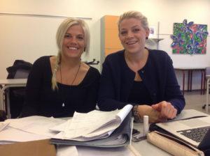 Kira og Julie har fået styr på matematikken. Foto: VUC