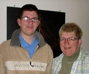 Alex sammen med sin mor, Lone.