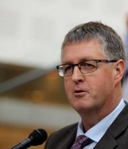 Borgmester Erik Lauritzen - og resten af Byrådet - vil have Sygeplejeskolen ind i Alsion.