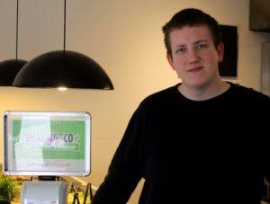 Jesper Smaling lægger selv navn til sin forretning.