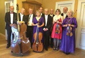 Ulkebøl Salonorkester giver et lydglimt fra de gode, gamle dage.
