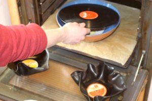 Pladerne får nyt liv i ovnen