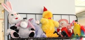 Fler af de børn, der har vinket farvel til Alssund Børne- og Ungdomscenter har efterladt bamser til Jytte Pyt.