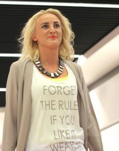 Er du en ungdommelig og moderigtig kvinde, så så har Vila tøjet.