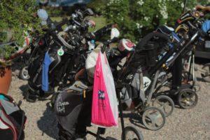Rynkeby giver golf-bolden op til en hyggedyst i Augustenborg.
