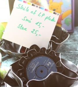 LP'er og singler kan varmes i ovnen og bruges som dekorative skåle.