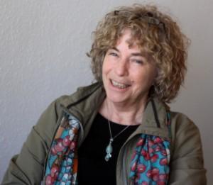 Anne Dominik håber, der er ildsjæle, der ser fordelen i at man hjælper hinanden.