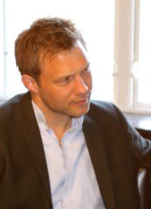 Stephan Kleinschmidt forklarer, det er vigtigt at have argumenterne i orden, inden nogen drager til Christiansborg.