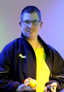 Alex er stamgæst i Club 54 - hver anden fredag. Ugens dagtimer bruger han i Kvickly.