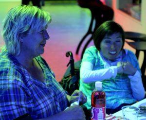 Bianca fra Rendbjerghjemmet roser Club 54 for deres store parathed.