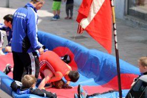Alsias unge brydere kæmpede sig gennem optoget