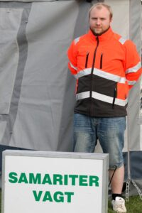 Kenneth Kallesen er klar til hjælpe Byfest-gæster.