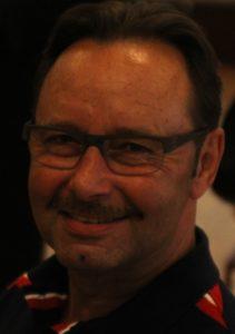 Sundhedsformand Helge Larsen kalder Venstres manøvre for tomt, hult politisk teater.
