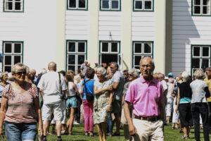 Flere hundreder gæster besøgte Augustianas fernisering søndag eftermiddag.