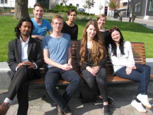 SSF's nye bestyrelse: Bagest fra venstre: Rene Unteregger, Sausan Mersouni og Kristin Hirschmann. Forrest: Ali Ahman, Kim Ramgaard, Andrea Adamow og Diana Hrab.