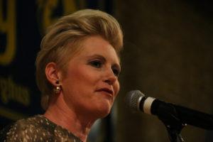 Efter at have rost sit flotte udseende sang Trine Gadeberg en lang række sange. <div class=