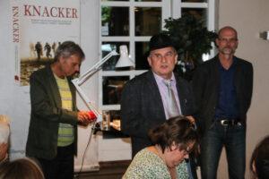 Allan Breckling byder velkommen med en historie om teaterforestilling i Ulkebøl.