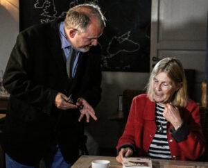 Allan Breckling er i gang med at optage med Linda Lassen tilen af sine ti BogCafé-udsendelser.