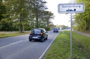 Bilister, der rammer et vejhul har svært ved at få erstatning. Foto: Ejner Munkebro