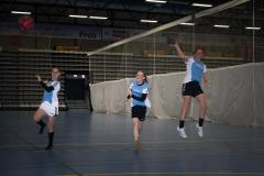 Fra venstre er Nermana, Ditte og Mathilde i gang med træningen.