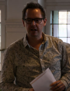 Thomas Lunau fortæller, at penge fra vinsalg bruges på de talentfulde BGK-elever.