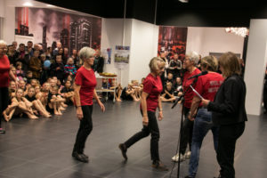 Inger Plauborg hædrer Stol på  Motion med Sundhedsprisen