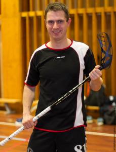 Ole Søndergaard er træner i klubben. Han har spillet i små 15 år.