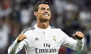 Klub-spillerne hjælper Ronaldo til at være så god som muligt.