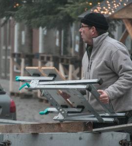 Viggo Ravn er en glimrende håndværker og han går også sit til, at de andre er aktive.