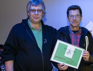 Jørn Thrane giver Årets Ligeværd Pris til SønderborgNyt for andet år i træk.