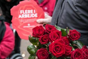 Socialdemokraterne vil have sønderborgenserne til at gætte, om ledigheden er faldet eller steget. <div class=