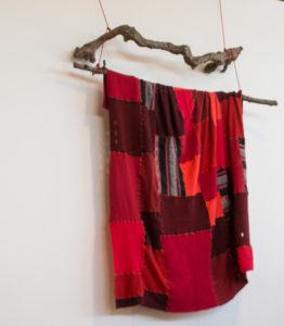 Dekorativt tæppe fra skolens kreative værksted. <div class=