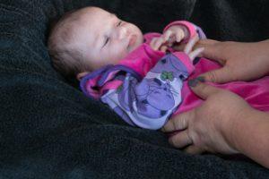 21 dage gammel baby nyder Gitte Olsens massage.