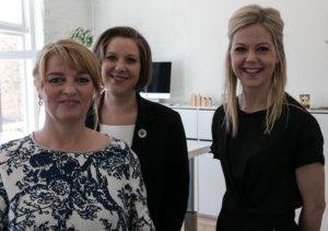 Lisbeth Gram, Trine Lindén og Tanja Have er tre travle kvinder. <div class=