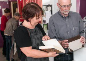Charlotte Riis Engelbrecht fortæller om sine erfaringer med bogbinderkunsten.