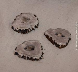 Knapper lavet af et hjortegevir.
